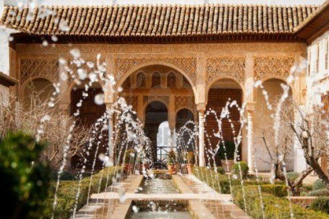 13072898-patio-de-la-acequia-in-el-generalife-la-alhambra-fabulous-example-of-islamic-architecture-in-europe