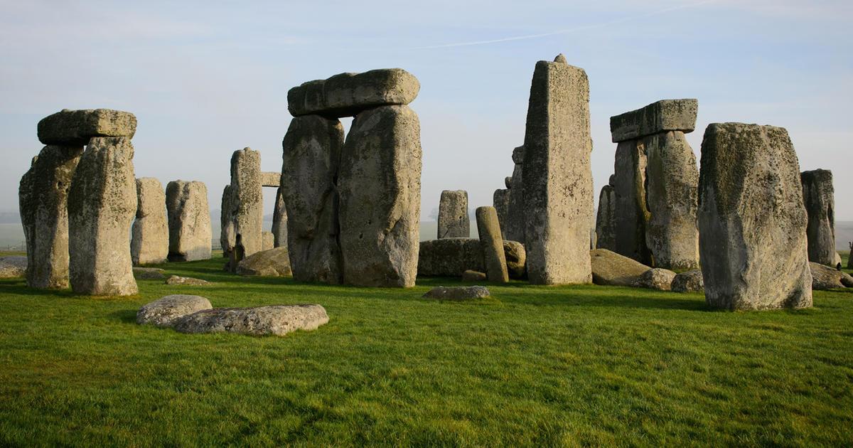 stonehenge-457361647-promo